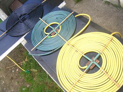 Садовый шланг можно использовать для солнечного коллектора