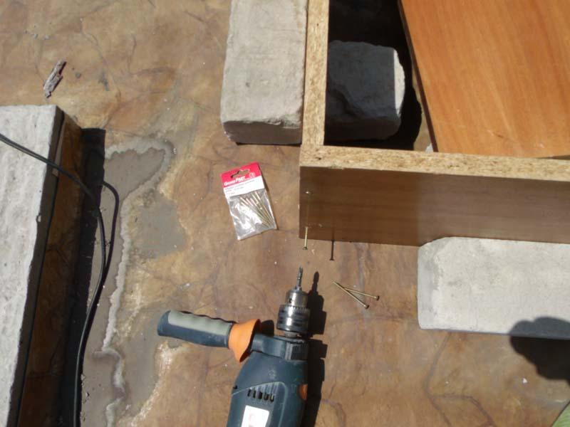Скрепление шурупами деревянного короба
