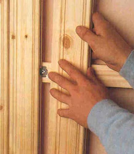 Крепление нескольких панелей деревянной вагонки