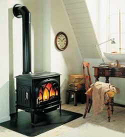 При организации дровяного отопления сооружению дымохода должно быть уделено повышенное внимание