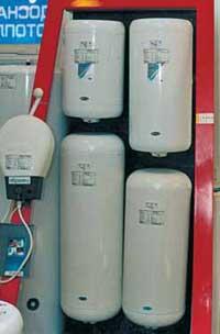 Благодаря хорошей теплоизоляции, затраты энергии на поддержание необходимой температуры в бойлерных нагревателях сопоставимы с расходом 25-ваттной лампочки