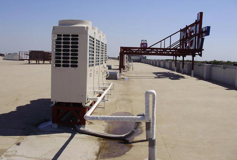 Блок конденсатора сплит-системы может быть установлен на крыше