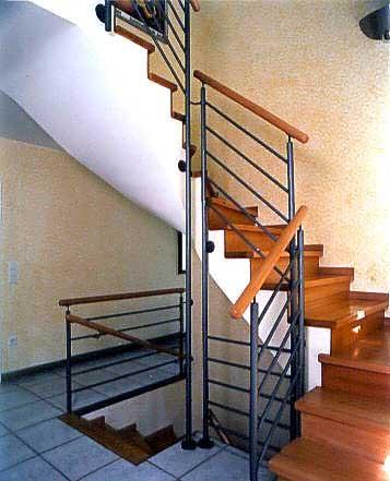 Облицовка деревом маршей стальной лестницы