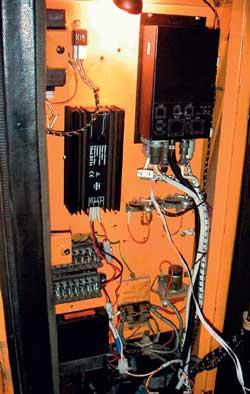 Системой КАРЬЕР предусматривается несколько вариантов бортового оснащения экскаваторов