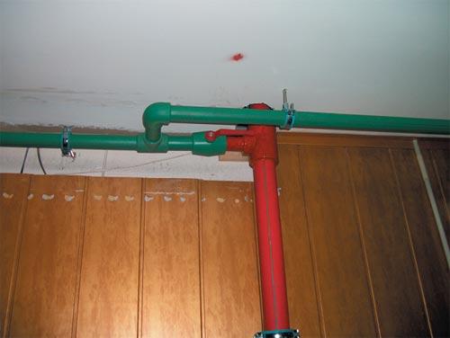 Применение трубы из полипропилена «Файерстоп» в системе водопровода.