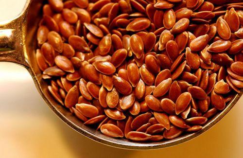 Семена льна во время кормления